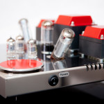 Egg-Shell Classic 9WLT valve integrated amplifier